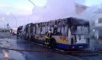 Autobus Gtt a fuoco durante la marcia a Mappano