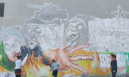 Cancellate le frasi razziste dal murales di Valperga
