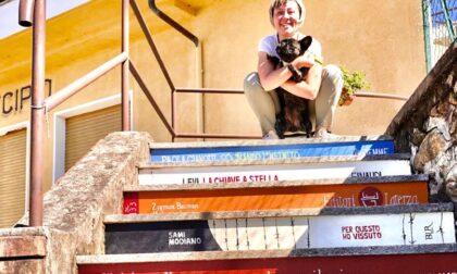 Cintano: I gradini del Municipio trasformati in una scalinata dei libri