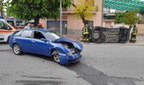 Violento scontro in pieno centro a San Giusto: due veicoli coinvolti