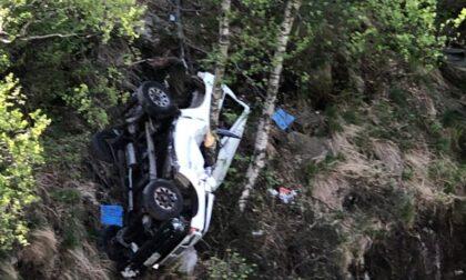 Incidente mortale, anziana in auto precipita in una scarpata