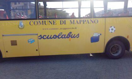 """Arriva la scritta """"Comune di Mappano"""" sugli scuolabus"""