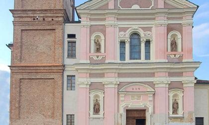 I lavori alla facciata della parrocchiale ultimati in estate