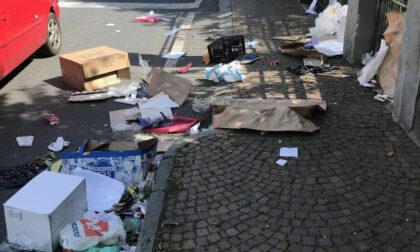 Immondizia al mercato di Ivrea, dopo le polemiche i gruppi d'opposizione presentano una mozione