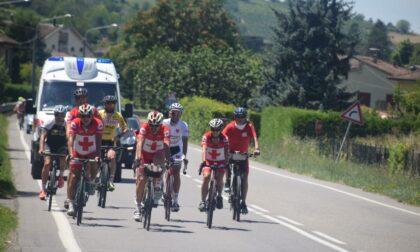Una pedalata verso Solferino con la CRI, i comitati canavesani hanno salutato il passaggio dei ciclisti
