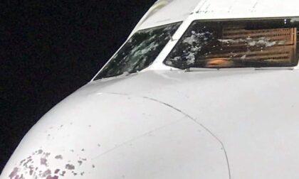 Paura in volo, Airubus decollato da Caselle costretto ad atterraggio a Verona a causa dei danni della grandine