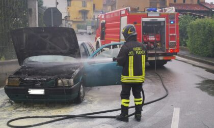 Auto prende fuoco a Ozegna
