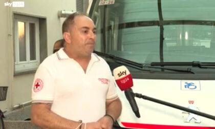 Autista eroe mette in salvo 25 bimbi prima che il bus s'incendi in galleria