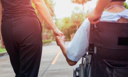 Contributi per caregiver di persone non autosufficienti, ecco a chi spettano
