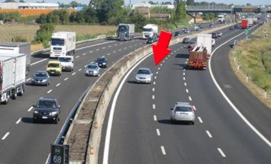 Contromano sull'autostrada per Aosta – UN VIDEO INCREDIBILE