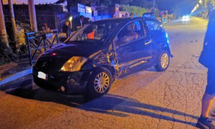 Incidente a Valperga, due auto e uno scooter coinvolti, ferito un uomo