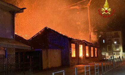 Incendio all'ex falegnameria Bertetto di Ciriè, denunciato imprenditore 29enne