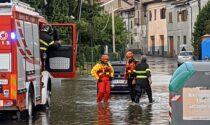 Auto in panne in via Roma allagata dopo il nubifragio domenica mattina