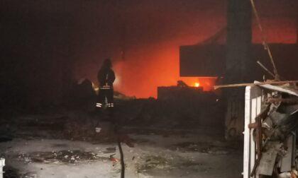 Incendio all'ex Vallesusa, in fiamme rifiuti abbandonati