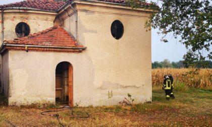 Incendio nella chiesetta di Gave, soccorsa ragazzina adolescente