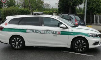 Rifiuta l'alcol test e insulta la Polizia Locale: denunciato
