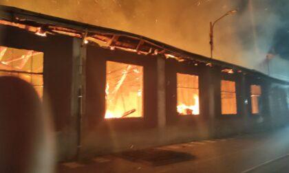 A fuoco falegnameria di Ciriè (VIDEO)