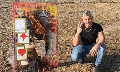 Fabrizio Corona dà buca in Canavese... e Pepè brucia il quadro